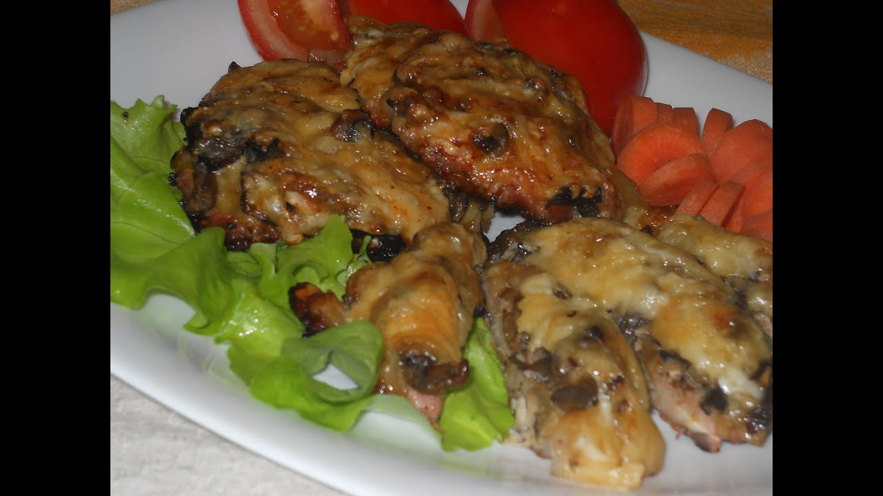 Свинина с кабачками и грибами в духовке рецепт