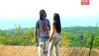 Download Lagu Yan Mus ajak Nia - Sayang Sayang Gratis STAFABAND