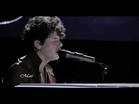 Nick Jonas - A little bit longer (Live 3D Concert Experience) Music Videos