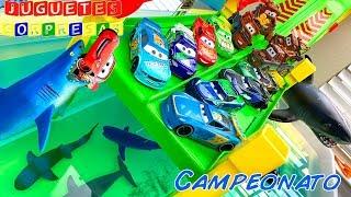 DISNEY PIXAR CARS NEXT-GEN PISTON CUP RACERS VS PISTON CUP RACERS CAMPEONATO Pista de Coches CARS 3