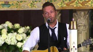 Coldplay 39 S Chris Martin Plays At Beau Biden Funeral