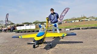 """FREESTYLE MASTERS UK RC - CALLUM SETTER FLYING HIS EXTREME FLIGHT SLICK 580 100"""" EME 120cc - 2018"""