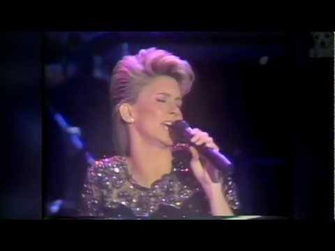 Olivia Newton John - Physical World Tour 1982 (2/7)