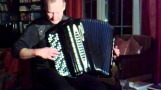 Accordion virtuoso Glen Qvarnström plays own composition Humkka