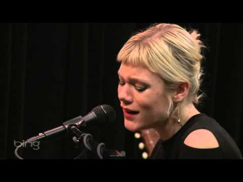 Trixie Whitley - Breathe You My Dreams (Bing Lounge)