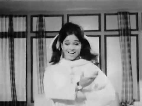 Main Rehti Hoon Bechain - Haye Mera Dil (1968) video