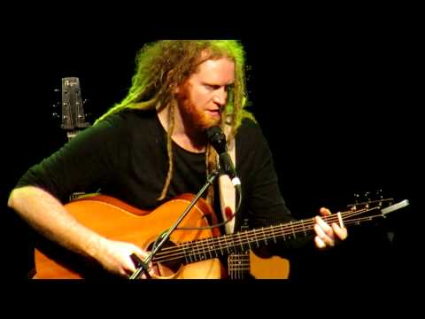 Newton Faulkner - Payphone (live @ O2 Shepherd's Bush Empire)