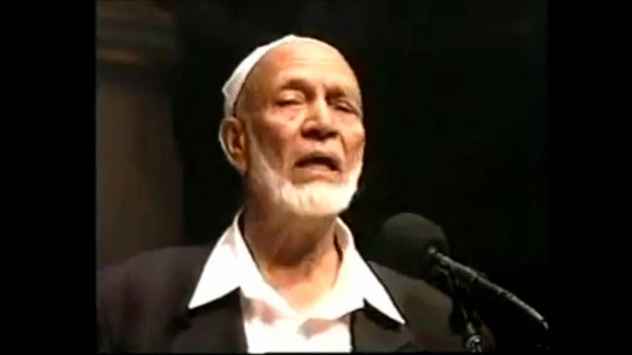 ahmed deedat Ahmed hoosen deedat ( gujarati : અહમદ હુસેન દીદત july 1918 – 8 august 2005) was a south african writer and public speaker of indian descent.