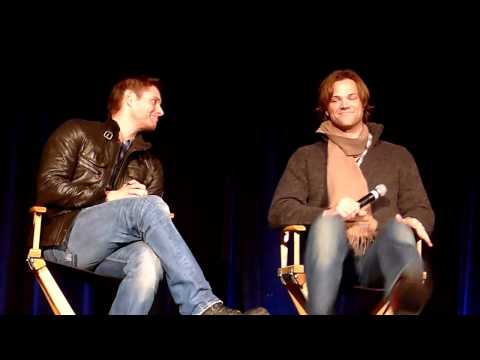 "Jared and Jensen on ""borrowing"" things from the set (VOSTFR)"