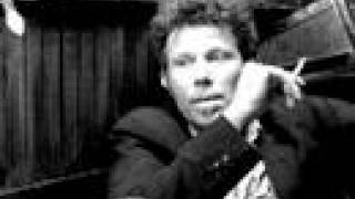 Watch Tom Waits Picking Up After You video