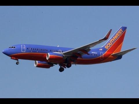 Southwest Airlines Flight WN 3062 from Phoenix Landing at John Wayne Airport (SNA)