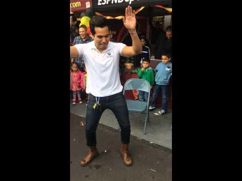 GenioShow - Rudy El Rodo bailando el baile del Muellelleo