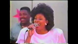 Marvin and Vickie Winans - Ain't No Need to Worry