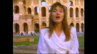 Watch Lari White What A Woman Wants video