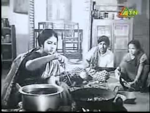 Jeebon Theke Neya - Bangla Movie Of Razzak & Suchanda.flv video