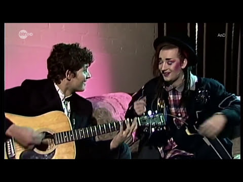 Boy George - Karma Chameleon (Acoustic 1983)