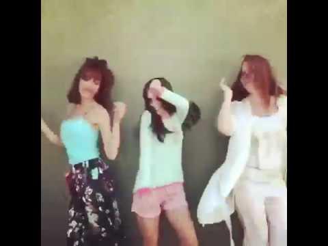 Caro kopelioff bailando con caro Ibarra y Paula Kohan