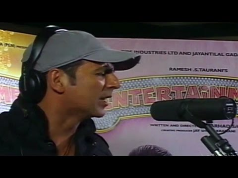Akshay Kumar Sings & Records Brand New Track | Entertainment
