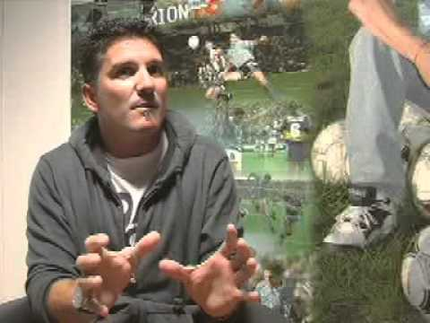 """www.soyceleste.com.ar // Entrevista exclusiva con el último gran ídolo de Belgrano de Córdoba. Primera parte de una entrevista de más de 25 minutos. """"El Luifa"""" y sus aspiraciones de cara..."""