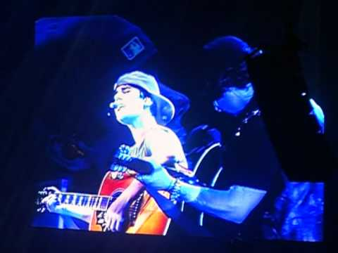 Favorite Girl (acoustic) - Justin Bieber  23rd April 2011 Indonesia My World Tour video