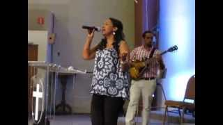 Betty Wolde - Live Worship - New 2015