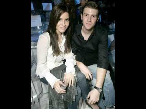 chad michael murray and sophia bush Video