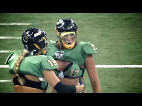 Женская команда и Американский футбол! Заинтригованы?! Women's Rugby match .