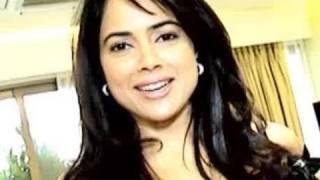 Sameera Reddy welcomes zoOm to her new house