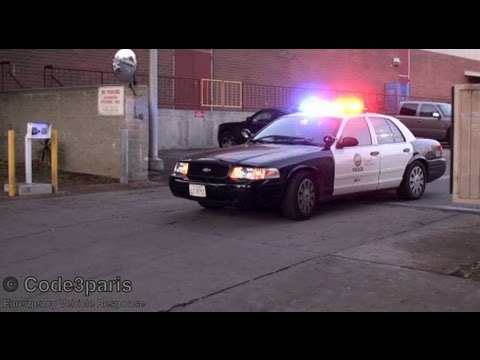 Used Cars Victoria >> LAPD Police Car - Officer Waves - YouTube