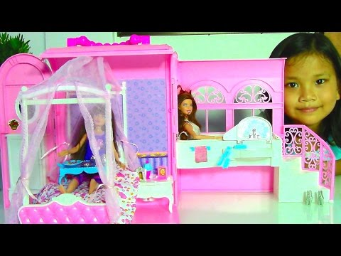 Samantha Glamour Handbag Bed and Suite Playset with Barbie Dolls