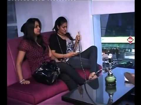 INDIA Girls Smoking Hukka 4