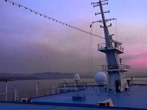 entrando al porto di olbia al tramonto 2