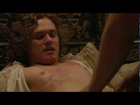 Game of Thrones: Renly at the Gay Bar (Long Live the King!)