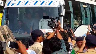 Sachin Tendulkar waving at the crowd from Team Bus.mp4