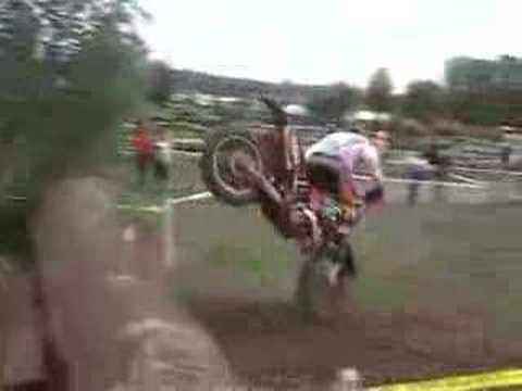Prova do tronco - moto cross Video