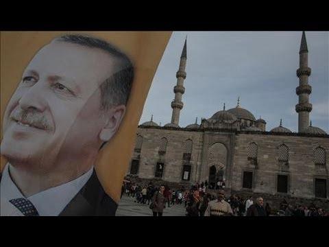 Turkey's Erdogan Slams Court For Freeing Twitter