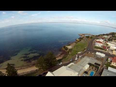 Quadcopter Kangaroo Island, Kingscote Pool & Main St