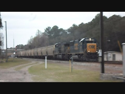 CSX 2 Trains Pass Within Minutes At Folkston Georgia's Funnel