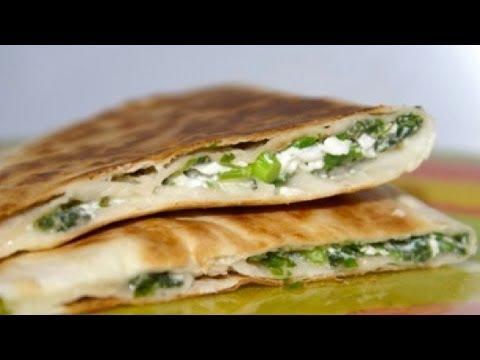 Как приготовить лаваш с творогом на гриле. | How to prepare pita bread with cheese on the grill.