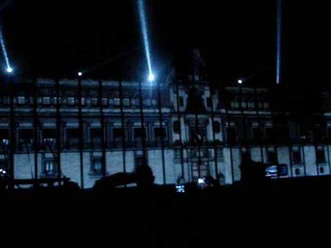 espectaculo multimedia en el zocalo (mexico en el corazon)
