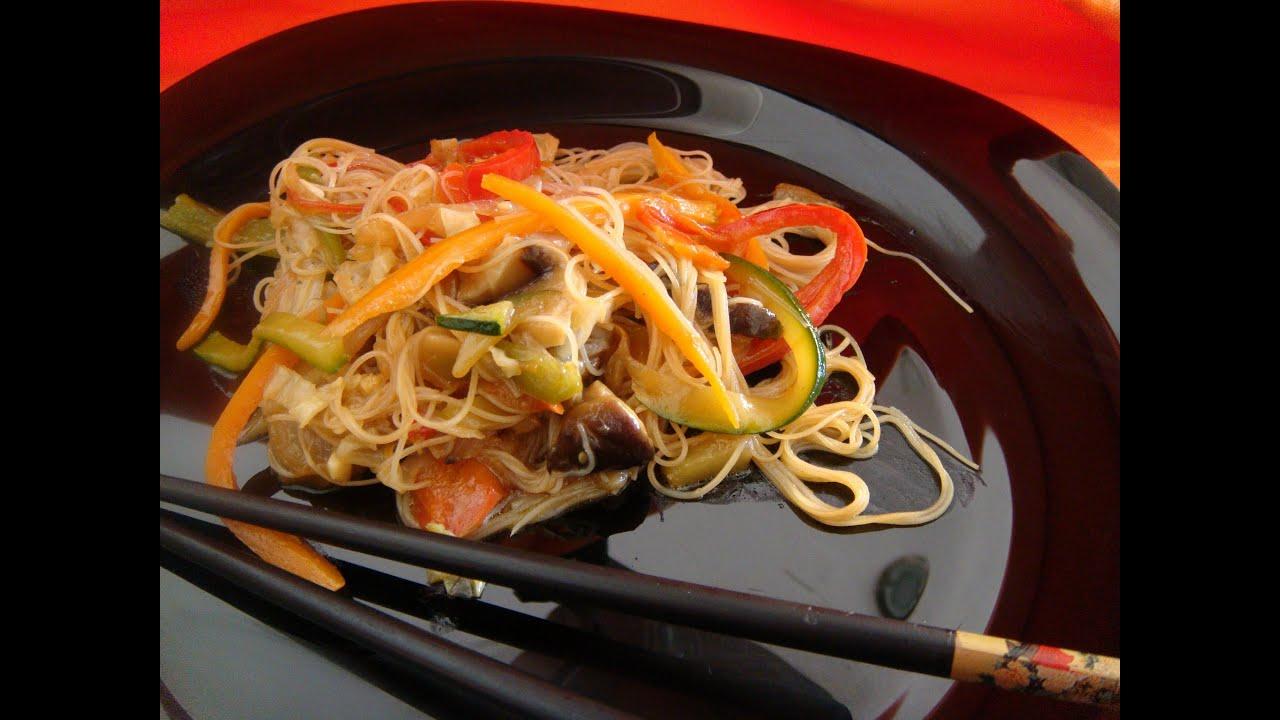 Chop Suey de Pollo Chop Suey Con Fideos de Arroz