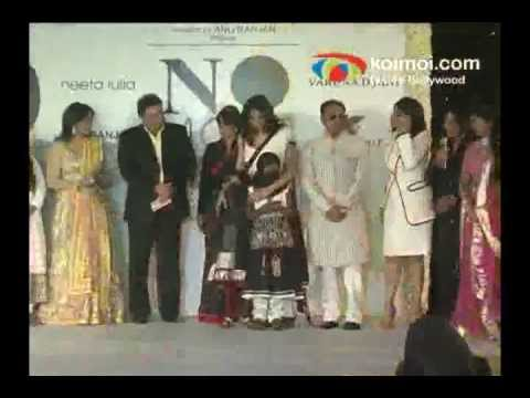 Sushmita Sen, Esha Deol, Zeenat Aman At Beti Fashion Show video