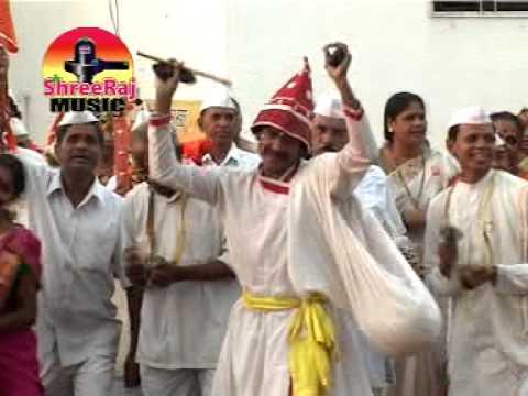 New Sai Baba Marathi Bhajan :- Shirdiya Gavat Kay Vajat Gajat...