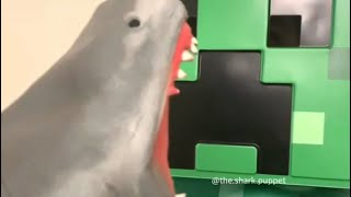 SHARK PUPPET PLAYS MINECRAFT!!!!!