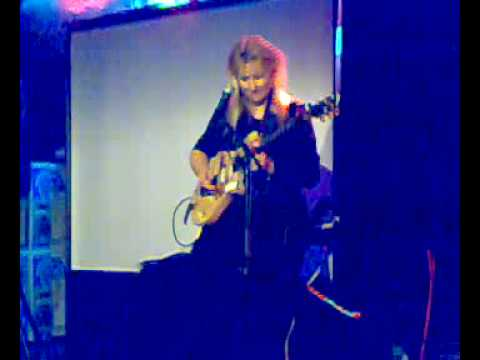 Jennifer Batten Beat It Solo @ Rotterdam