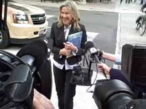 Catherine OHara unveiling the new Wild Thing Way street sign in Toronto Video