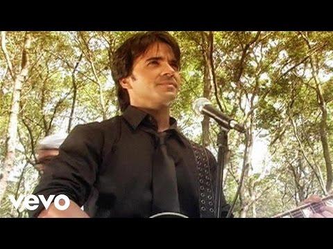 Luis Fonsi - No Me Doy Por Vencido (Behind the Scenes)