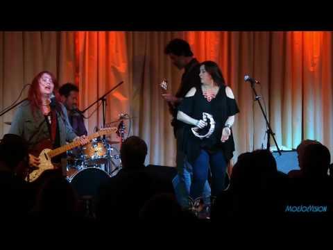 Carolyn Wonderland Live @ The Bull Run Restaurant 4/15/17