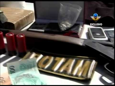 Armas e drogas são apreendidas no bairro Martins