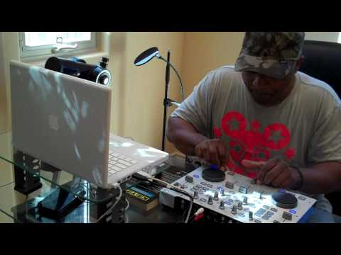 Hercules RMX DJ D-Rakkas (South Rakkas Crew) cut and scratch Hip Hop with virtual DJ software